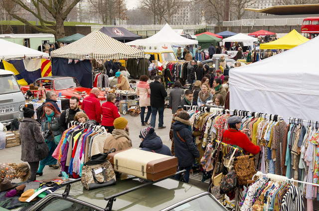 South Bank Market and unused clothes image by John Gomez (via Shutterstock).